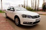 Volkswagen Passat белый - фото 2
